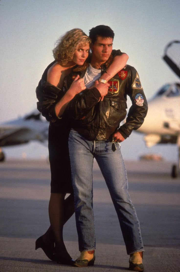an analysis of the movie top gun Looking at this question i remembered a question i always wanted to ask: in the movie top gun one of the main characters dies when trying to eject from the f-14.
