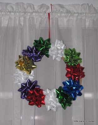 Kids craft... bow wreath. Cute activity and they can hang on bedroom doors for Christmas!