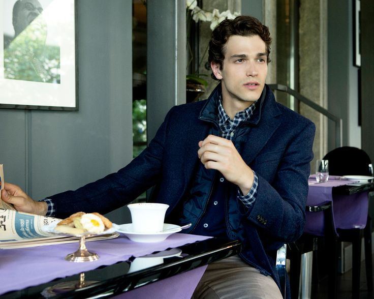 Fay City Diaries features the Men's Fall - Winter 2013/14 collection with the polished backdrop of Milan. Double Coat. http://www.fay.com/it/city-diaries/milano