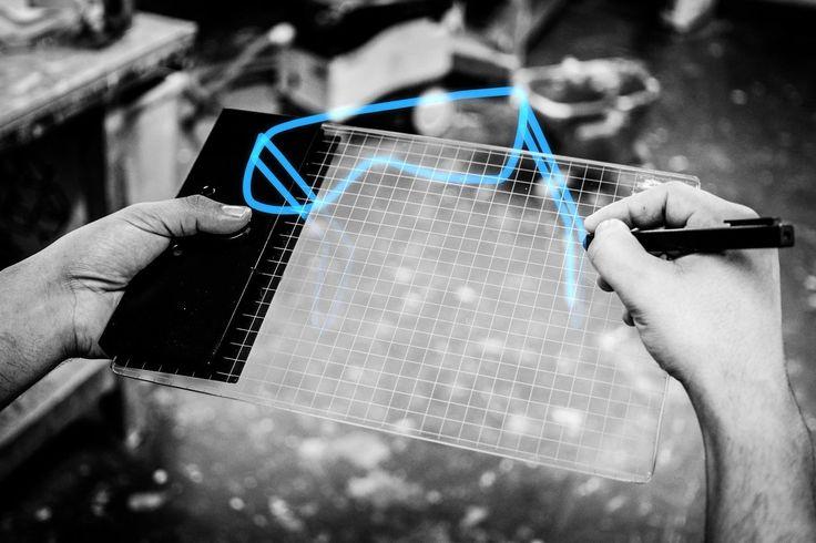 Gravity une tablette graphique pour dessiner en 3D et en réalité augmentée - Matérialiser physiquement vos idées en 3D, c'est l'objectif de la tablette graphique Gravity conçue par quatre étudiants en Design de la Royal College of Art à Londres...