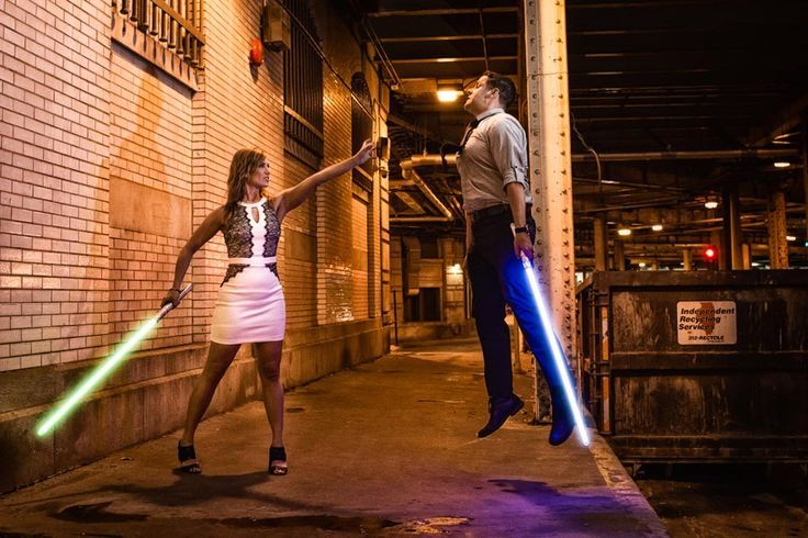Star Wars engagement photo shoot idea in Downtown Chicago. With a camo from Superman. You've got to see these nerdy chic engagement pictures. // Nerdy Chic Engagement. Geek Chic Engagement. Themed Engagement. Star Wars Themed Engagement. Star Wars Themed Wedding. Sith Lord. Funny Engagement Photos.