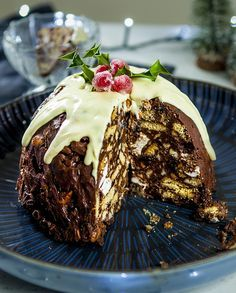 Look closely.. that's not a Christmas pudding that's a fridge cake! No baking either - just melt, mix and set.