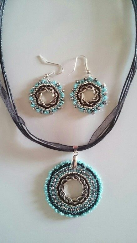 Pendant and earrings with toho beads