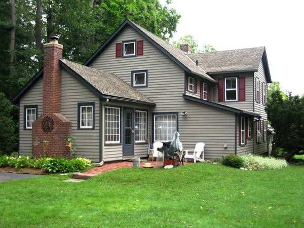 Top 25 ideas about colonial house exteriors on pinterest for Saltbox house additions