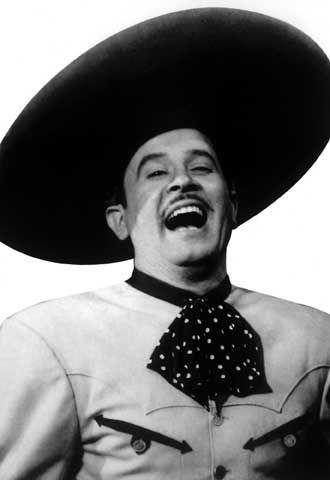 Conoce las 10 escenas memorables de Pedro Infante. Un 15 de abril pero de 1957 Pedro Infante falleció en un accidente de avión dejando un maravilloso legado. http://www.linio.com.mx/libros-y-musica/musica-y-peliculas/