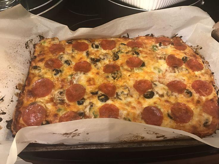 Alacsony kalóriatartalmú, diétás pizza, amely mindent visz. Nem csak diétázóknak! Az elkészítése nem is lehetne egyszerűbb.