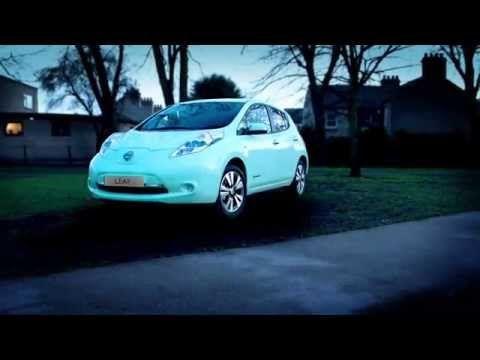 Nissan Glow-In-The-Dark Car Harnesses Power of the Sun - http://www.psfk.com/2015/02/nissan-leaf-glow-in-dark-solar-energy.html
