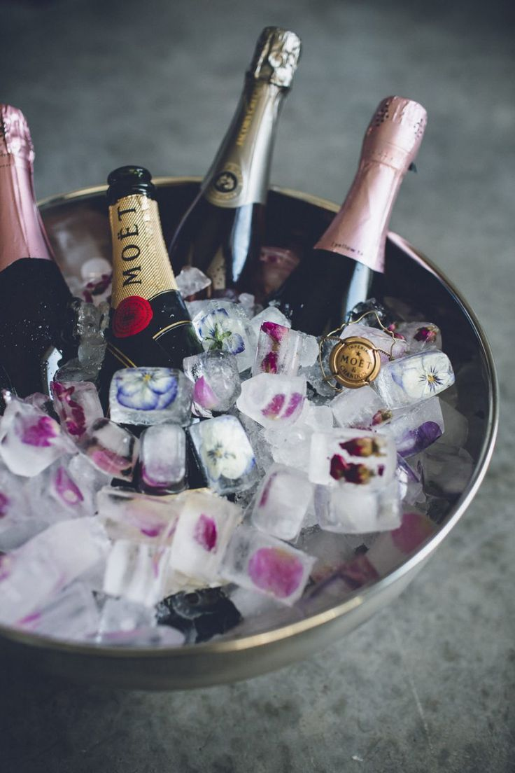 Inspired idea // freeze flowers into ice cubes for your Champagne ice bucket this NYE
