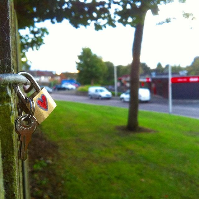silver plus ring  dosomethingspecial  padlockbombing  project  freelove  padlock  lockandkey  streetart  scotland  dundee