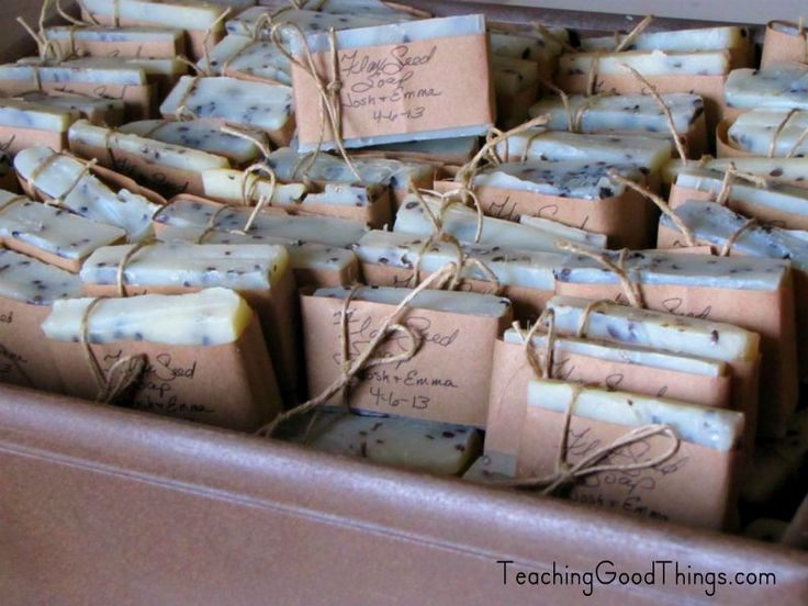 Wedding on a budget, homemade soaps as favors. http://teachinggoodthings.com/blog/wedding-on-a-budget-favors-homemade-soap/
