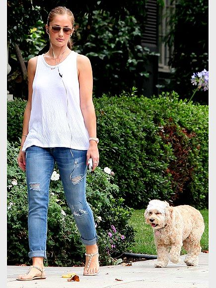 Minka Kelly...love the outfit!