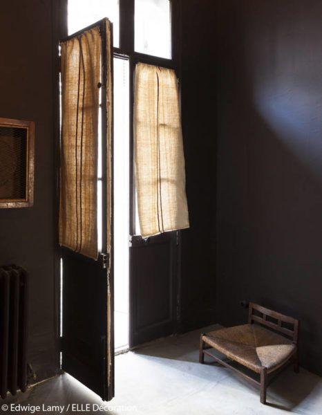 Maison empereur ouvre une maison d'hôtes à Marseille , porte fenêtre et torchon au metre