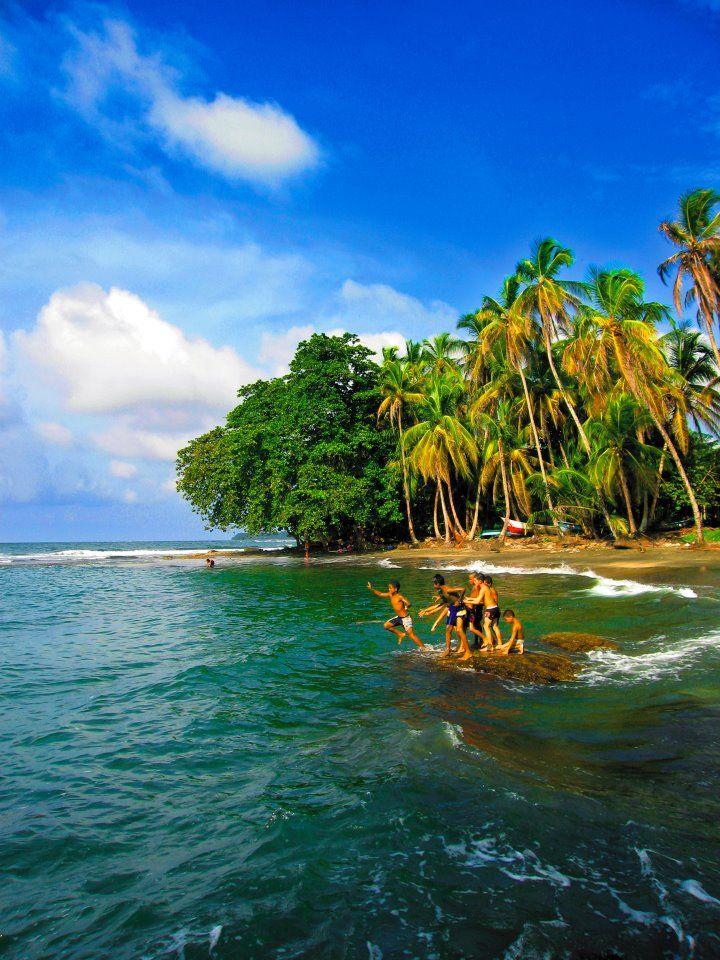 http://discoverycostarica.com/images/where-to-go/Caribe-where-to-go-discovery-costa-rica.jpg