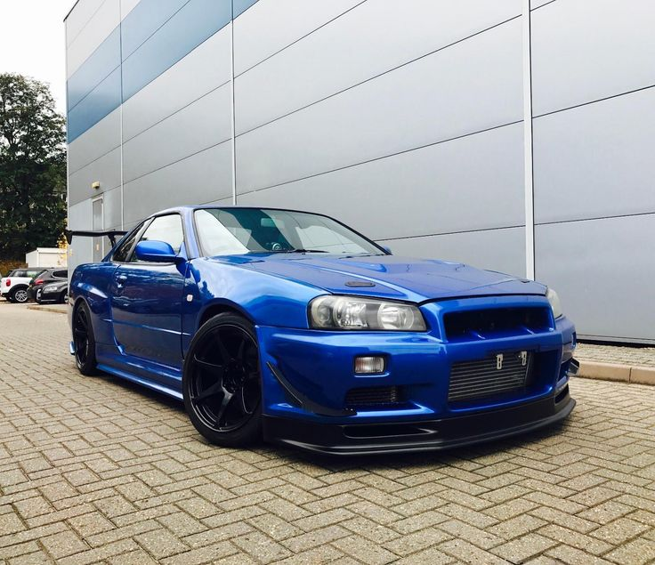 This 1999 nissan skyline 2.5 gtt turbo bayside blue + gtr styling kit + nismo styling is for sale.