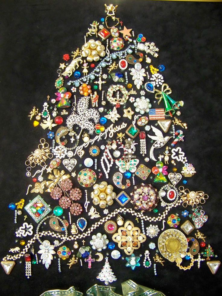 178 best Christmas ideas images on Pinterest | Jewelry tree ...