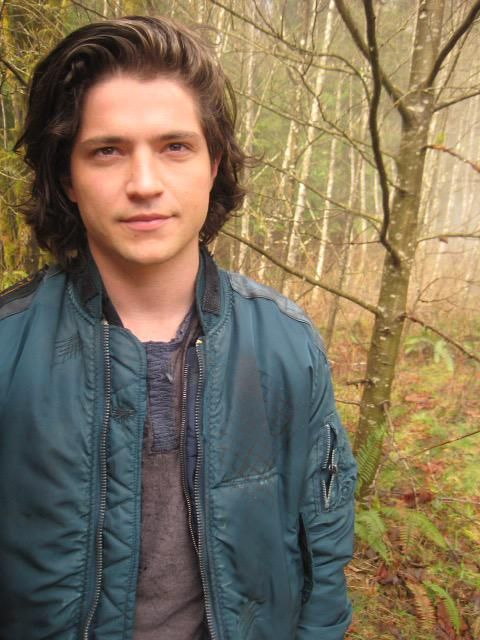 (FC: Thomas McDonell) Hello amigos, I'm Philip Rogers, son of Captain America. I'm known for being patriotic, but I have some of my dad's abilities, including super strength and intelligence. Anyways, I'm a pretty chill guy, so introduce?