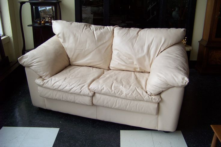 Sealy Leather Sofa Set
