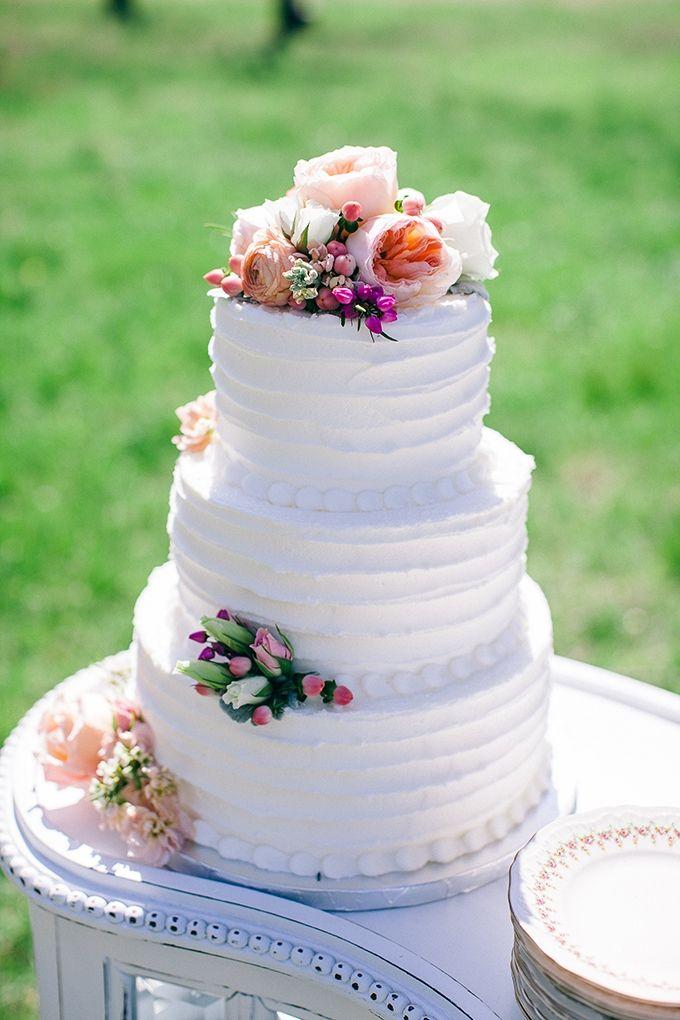 white buttercream cake | Nikki Santerre | Glamour & Grace
