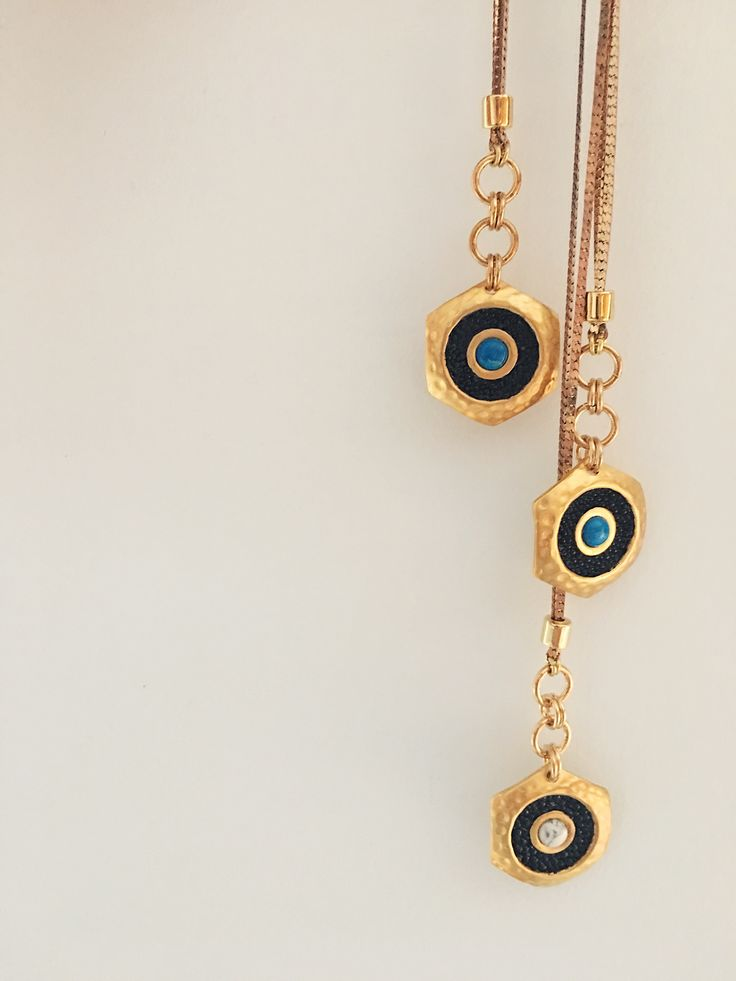 Artifacts World || Oculus necklace || Sting ray leather and turquoise or howlite
