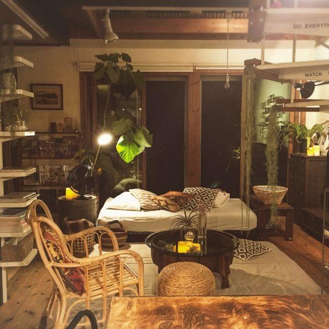 yururi-8239223さんの、Overview,IKEA,フロアライト,スツール,間接照明,扇風機,夜,カゴ,ちゃぶ台,ニトリ,ウンベラータ,LEDキャンドル,ベルメゾン,雑誌収納,いなざうるす屋さん,竹かご,ラタンチェア,NO GREEN NO LIFE,キルティングラグ,チャパティテーブルについての部屋写真