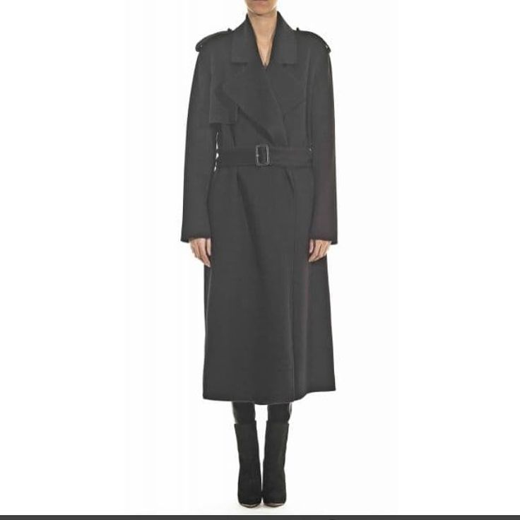 Wrap yourself in luxury with this hotelparticulier cashmerecoat as the crisp air of fall2015 begin. Must have a frenchluxury now at Très Chic Styling in Montreal xoxo.