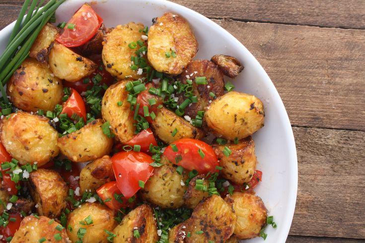 Jeg elsker simpelhed og jeg elsker god smag. Med 'roast potatoes' får du det hele. Kartoflerne kan du lave som tilbehør til