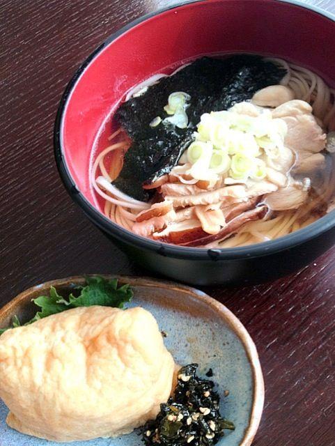 お昼はカンタンに(^^;; - 3件のもぐもぐ - 稲庭かしわうどん by izmoon
