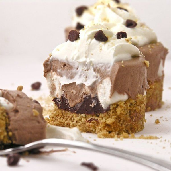 Frozen S'mores: Frosty Smore, Chocolates Frozen, Frozen Smore, Frosty S More, S More Cups, Frozen Cupcake, Summer Treats, Smore Cups, Frozen S More