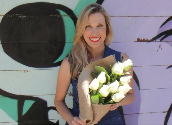 5 MINUTES WITH COURTNEY RAY – ENTREPRENEUR & MUM!  Courtney Ray grew up on a property in a small Victorian town called Freshwater Creek.  After finishing High school she went on to University where she studied Commerce/Law and eventually wound up with a career in finance in Melbourne.