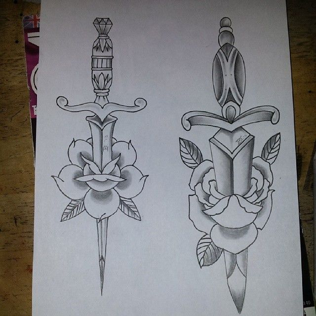 Couple traditional daggers in black and grey                                                                                                                                                                                 Más