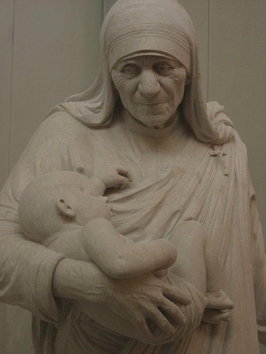 Mother Theresa Botticino marble sculpture, Cicero D'Ávila