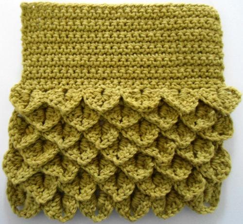 """Free pattern for """"Crocodile Stitch Scrub-N-Wipe Dishcloth""""!"""