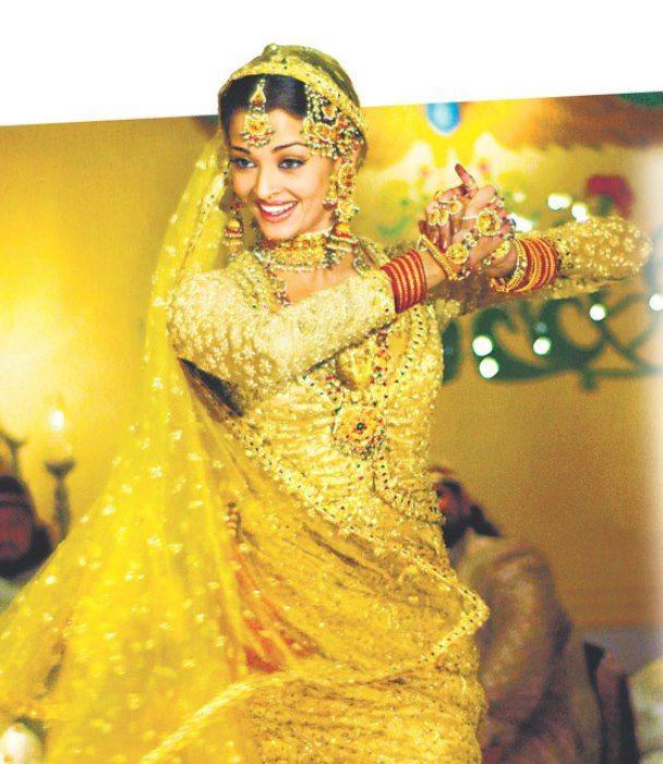 """Bollywood Dance :Aishwarya """"Umrao Jaan"""" {2006}"""