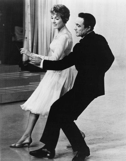 Julie Andrews & Gene Kelly!!!!! MY TWO FAVORITE ACTORS IN ONE MOVIE????? Which movie is this???????