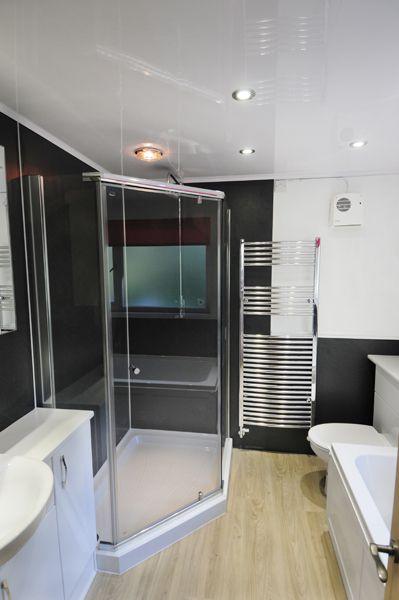 June 2012 Winner! Classic Range walls - Riven Slate, Click Range floor - Aspen Oak and Ceiling - White gloss
