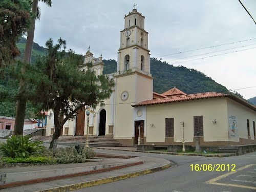 Inglés de Monte Carmelo Trujillo http://gelvez.com.ve/fotos/104/iglesia-monte-carmelo-743075.html