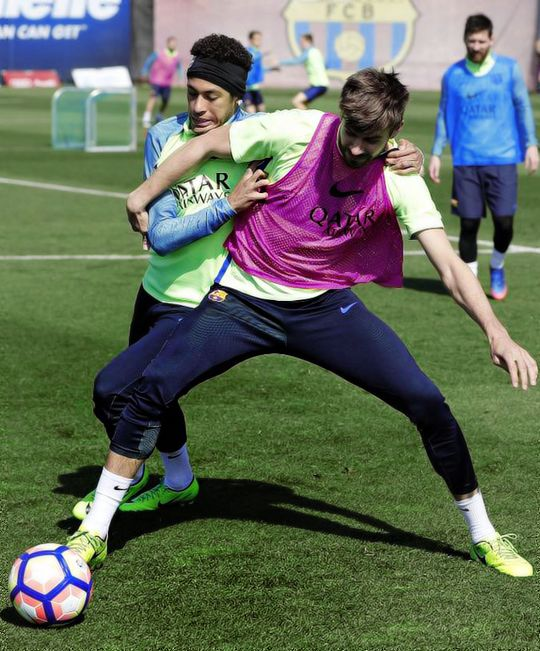 Neymar & Pique during FC Barcelona training session 16/03/2017