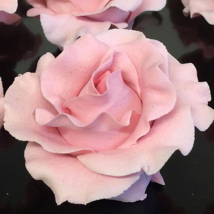 Rose Marzipan Weddingcake Bryllupskake