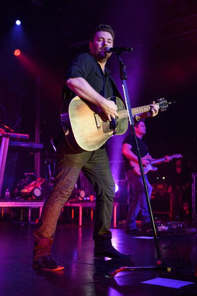 Chris Young Photos - Chris Young with Casadee Pope in Concert - New York, New York - Zimbio