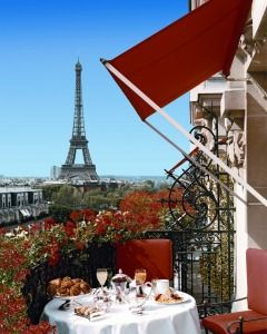 Hôtel Plaza Athénée - Paris, France