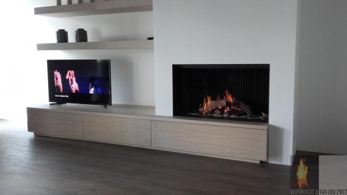Moderne inbouw haard met plateau en ingebouwde planken   Profires partner Reijnhoudt & van der Zwet · inspiratie voor sfeerverwarming