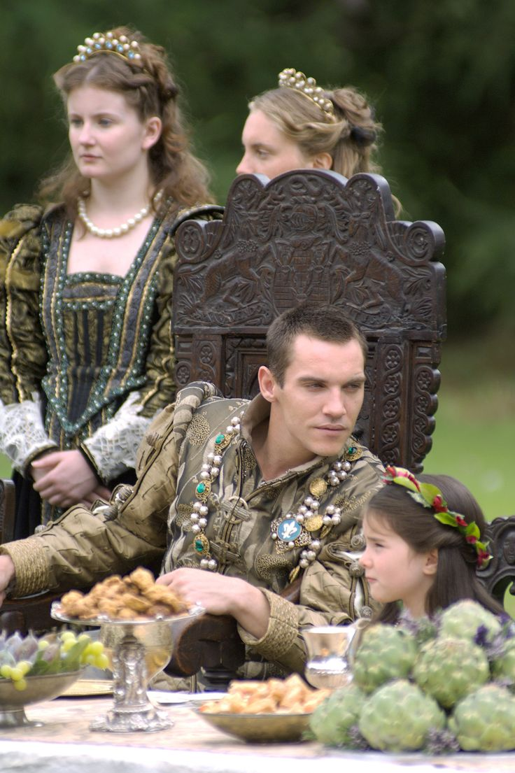 Henry VIII and Princess Mary - Jonathan Rhys Meyers and Bláthnaid McKeown in The Tudors, set between 1519 and 1547 (TV series 2007-2010).