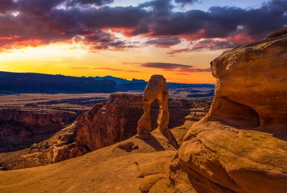 Top Utah travel destinations include skiing in Salt Lake City and Park City, golf in St. George, boating on Lake Powell, exploring Zion and much more. Visit our website: www.tourguidemostar.com#utah #america #travel #photography #landscapes #sunset #beautiful #tourguidemostar