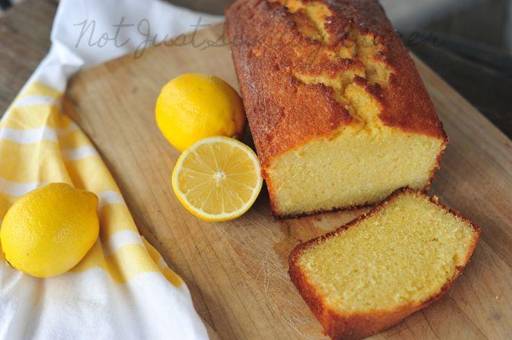 Pour les amateurs de desserts au citron en quête de recettes simples pour le goûter, voici une idée sympathique, facile et addictive de gâteau à faire pour régaler vos proches ...