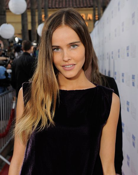 Isabel Lucas || Fox Searchlight's '500 Days Of Summer' Hollywood Premiere (June 24, 2009)