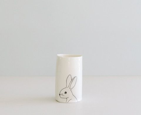 "Vase M ""White rabbit"" sort"
