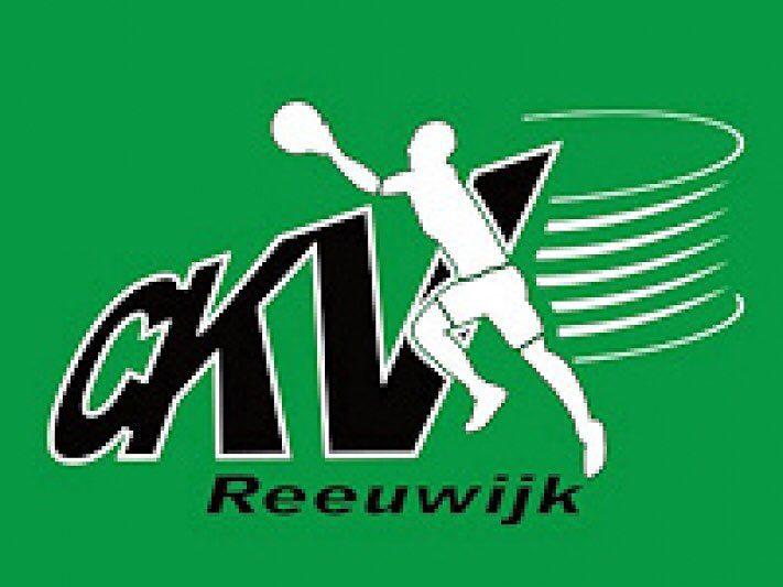 Reeuwijk 1  KOAG 1 uitslag 7-23  In de derde competitiewedstrijd van het seizoen stond voor CKV Reeuwijk een wedstrijd tegen de tweede titelfavoriet op het programma. Vorige week werd er een goede wedstrijd gespeeld met een prachtige teamprestatie tegen Achilles waardoor er hoop was op een klein stuntje tegen KOAG. Niets bleek minder waar.  Reeuwijk begon de wedstrijd met de opdracht lange aanvallen op te zetten in het eigen tempo en niet mee te gaan in het tempo van KOAG. In de eerste 10…