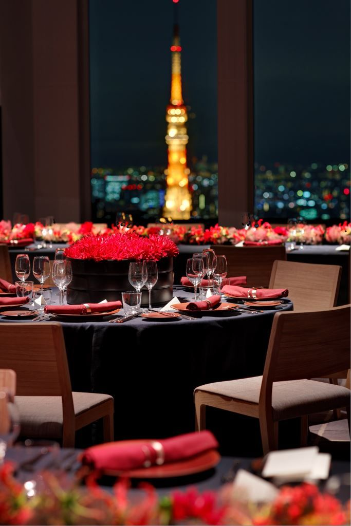// Our unique dynamic event and meeting spaces offer perfect settings for your private reception venue. Fluid layouts, functional design, and show kitchens staffed by friendly Chefs create personal and delighted environments that encourage interactions and conversations. #AndazTokyo