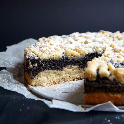 This is a German classic: German Poppy Seed Cake. A soft and fluffy bottom with a dense layer of poppy seed filling and buttery crumbles on top... what a delight!