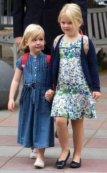 Foto van de eerste schooldag van Prinses Alexia, 29 juni 2009 © RVD/ANP, foto: Lex van Lieshout